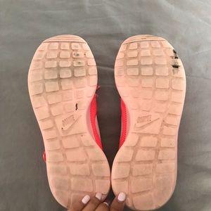 Nike Shoes - Neon pink nike roshe